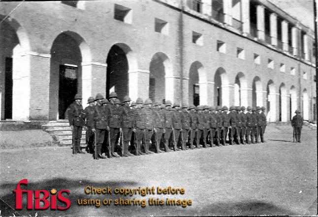 5+Cawnpore+Barracks+1914.jpg