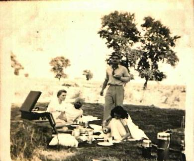 Picnic - Marie Metcalfe and friends