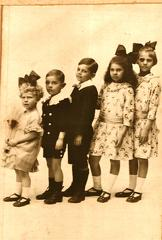 Marie Metcalf (nee Ross) with her siblings