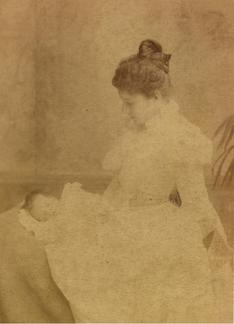 Maud (Pendlebury) Hawkins with Doris