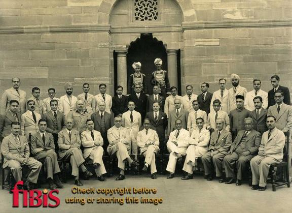 Group photo Department of War Transport, New Delhi