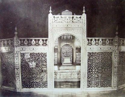 Carved marble screen inside the Taj surrounding the Tomb