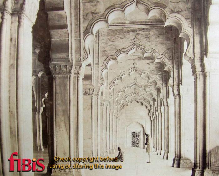 Interior of Pearl Mosque Agra Used as a hospital during mutiny.jpg