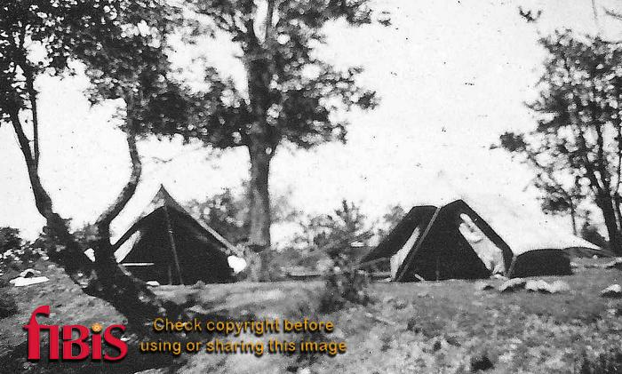Camp at Bandipore, Kashmir 1924.jpg