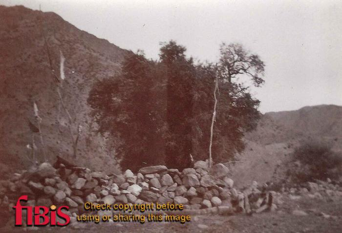 Holy man's Tomb Kyber Pass.jpg