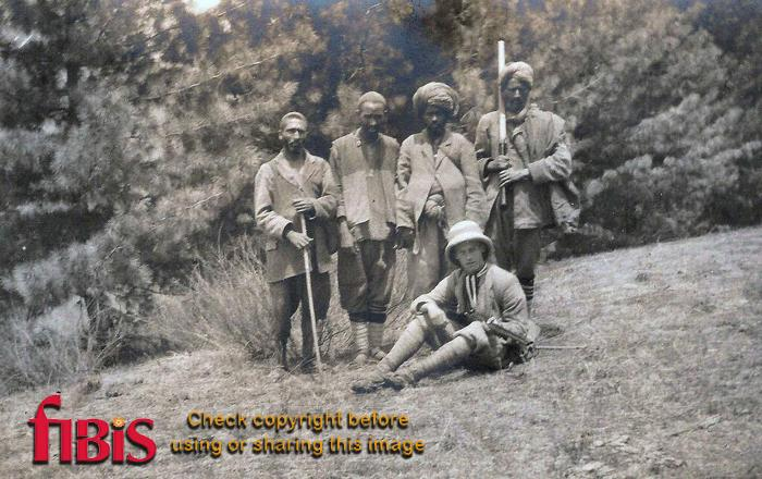Clark and his Shikari Sind Valley, Kashmir May June 1920