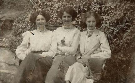 Majorie, Phyllis and Doris Heron in Simla in 1914