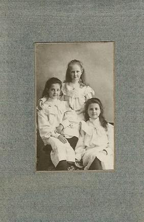 Phyllis, Doris & Marjorie Heron in Simla in 1907