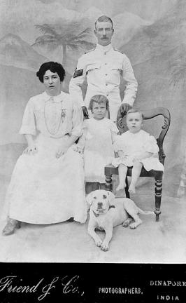 William Smith & Family in Dinapore (1910)