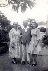Bangalore 1942 Grand Parents & Aunt Daysia