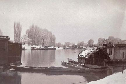 Down river from the Post Office, Srinagar, Kashmir ca 1911