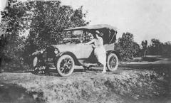 Avril Anderson [?] and Chevrolet on Bonzai [?] State Road, Mar. 1923